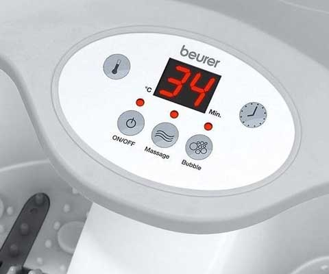 FB50 led schermpje waarop je de temperatuur van het water kan aflezen en instellen.