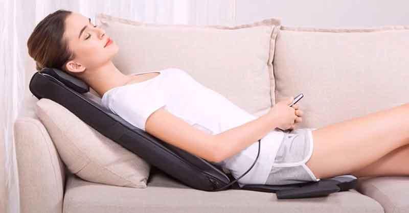 Een complete lichaamsmassage met een massagekussen