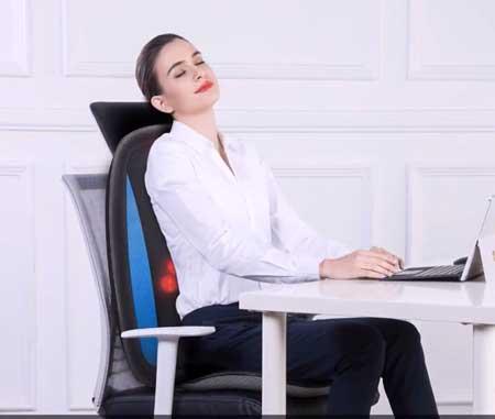 Groot shiatsu stoelkussen om je rug effectief te masseren