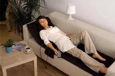 Kan je gemakkelijk de intensiteit van het massage bedi instellen?